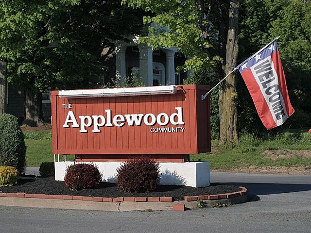 The Applewood Community