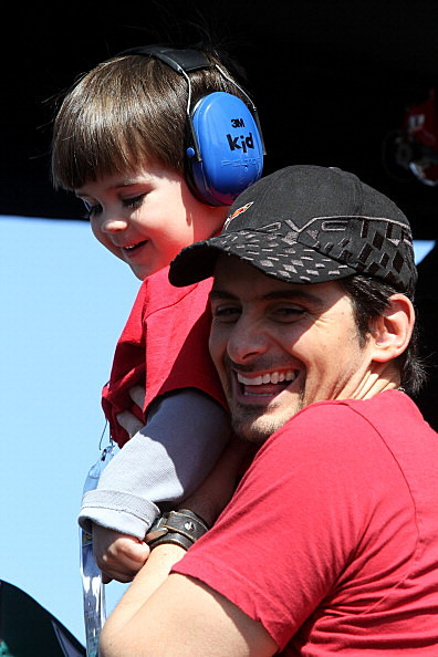 Country Artists & Their Kids For Father's Day [PHOTOS]  Country Artists...