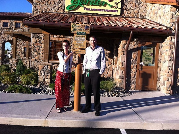 new hartford olive garden opens today with car side pick up