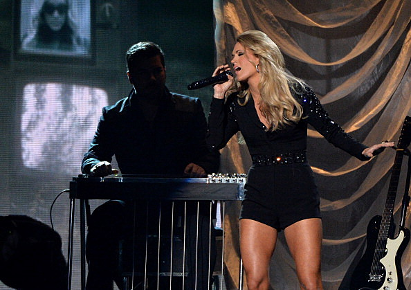 Carrie Underwood Rockin' It