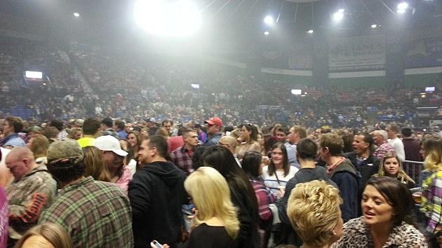 Fan Injured At Utica Aud Dierks Bentley Concert