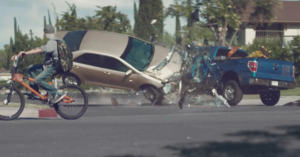 Car Crash in Reverse Ad Shows Dangers of Distracted Driving