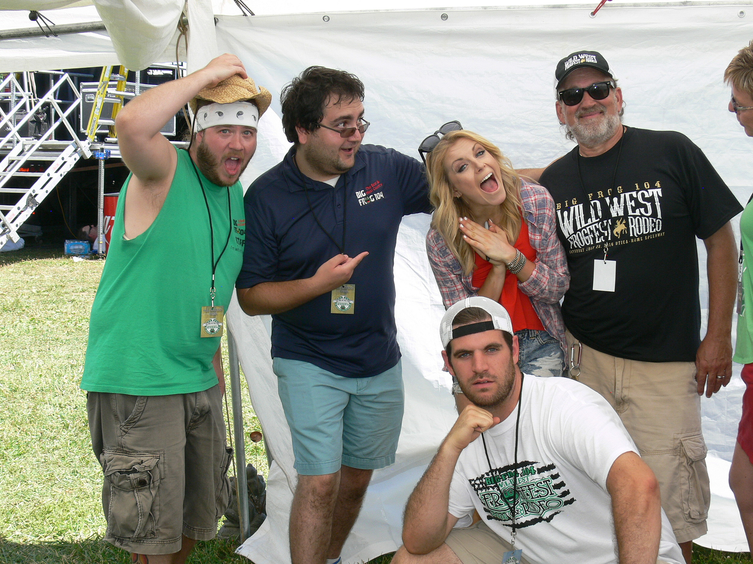 Lindsay Ell Frogfest Meet And Greet Photos