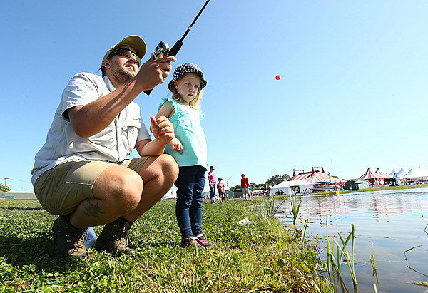 A love of hunting and fishing gets free admission at state for Hunt and fish club nyc
